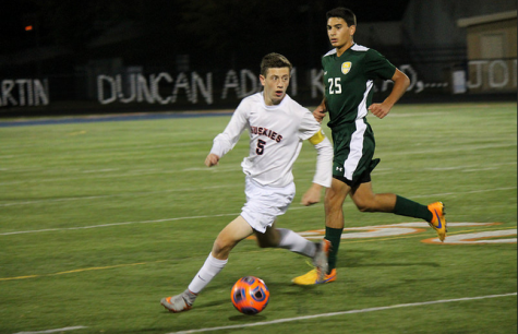 Huskie soccer beats WVHS 5-1 to clinch DVC title