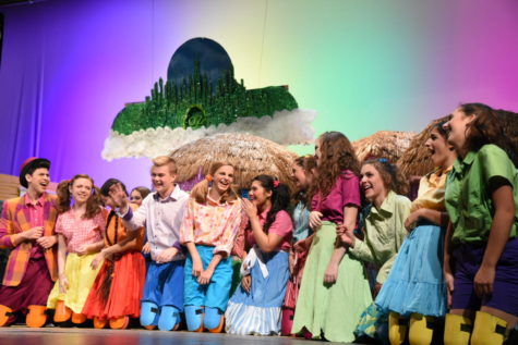 """""""The Wonderful Wizard of Oz"""" makes you feel like you're not in Naperville anymore"""
