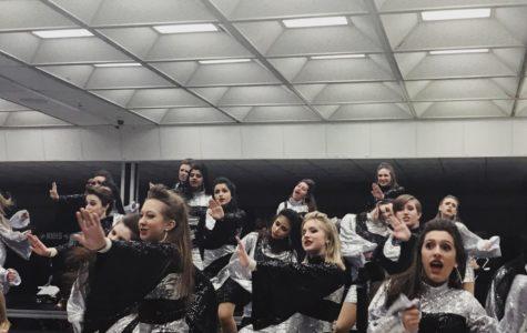 "Impromptu Show Choir ""Snow Off"" draws crowd of 400"