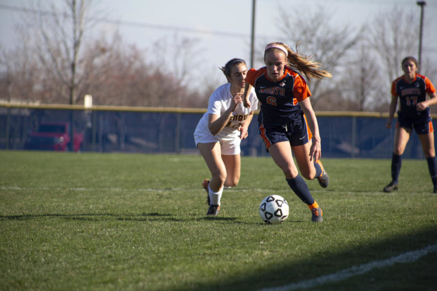 NNHS girls soccer continues win streak, beats Wildcats on the road