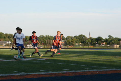 Huskie boys soccer kicks off season with a shutout win