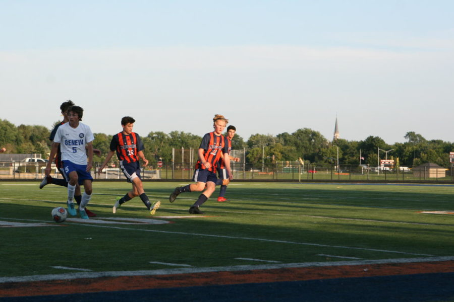 Naperville+North+soccer+continues+undefeated+record