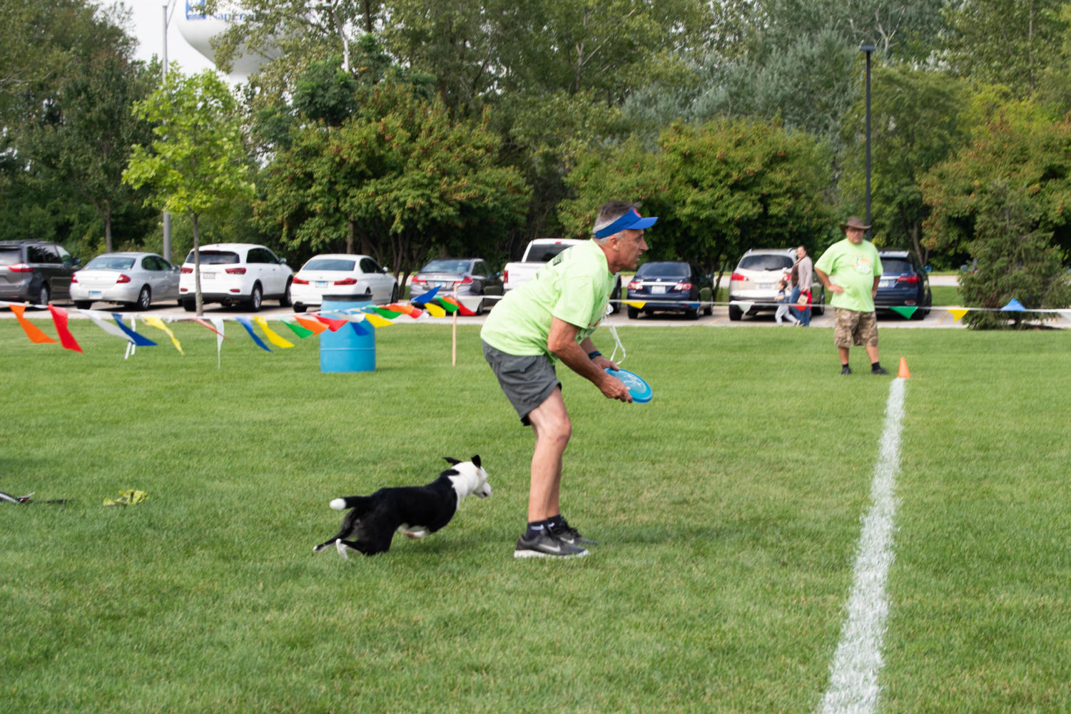 %0ARobert+prepares+to+throw+a+frisbee+to+his+dog+Laila+during+the+catch+and+throw+competition.+