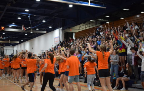 Photoslider: Sophomores and Seniors win Homecoming Olympics