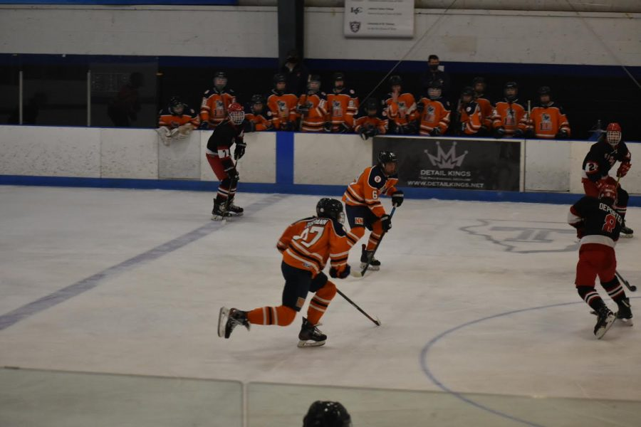 Huskie varsity hockey secures a win against crosstown rival